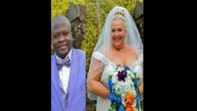 Photo de Une Blanche refuse d'obéir à son mari nigérian lors de leurs vœux de mariage: Vidéo