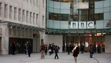 Photo de « La pauvreté est à l'origine du faible taux de mortalité de coronavirus en Afrique », un article de la BBC suscite l'indignation