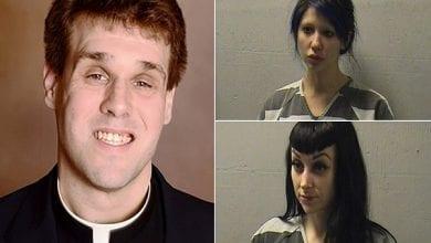 Photo de États-Unis : Scandale, un prêtre filme sa partie à trois avec des stars du porno sur l'autel de l'église