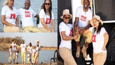 Photo de Botswana : un pasteur polygame exhibe fièrement ses deux épouses (photos)