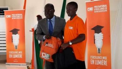 Photo de Prix national d'excellence CIE du meilleur élève 2020 : la société d'électricité honore les élèves de la Côte d'Ivoire