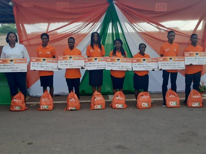 Prix national d'excellence CIE du meilleur élève 2020 : la société d'électricité honore les élèves de la Côte d'Ivoire