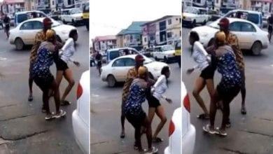Photo de Vidéo: elle devient folle après après être descendue de la voiture de son petit ami
