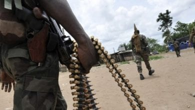 """Photo de Exclusivité / Bongouanou: 5 militaires arrêtés dans des """"Gbaka """", 17 kalachnikov emportées"""
