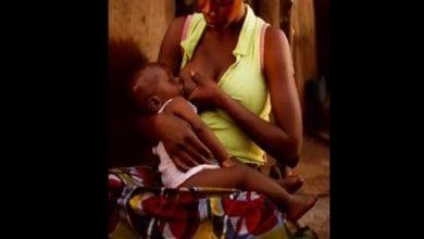 Photo de Une femme accusée d'avoir délibérément transmis le VIH au bébé de son amie en l'allaitant