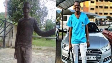 Photo de Après s'être battu pour financer ses études, il réussit dans la vie et dévoile sa nouvelle voiture