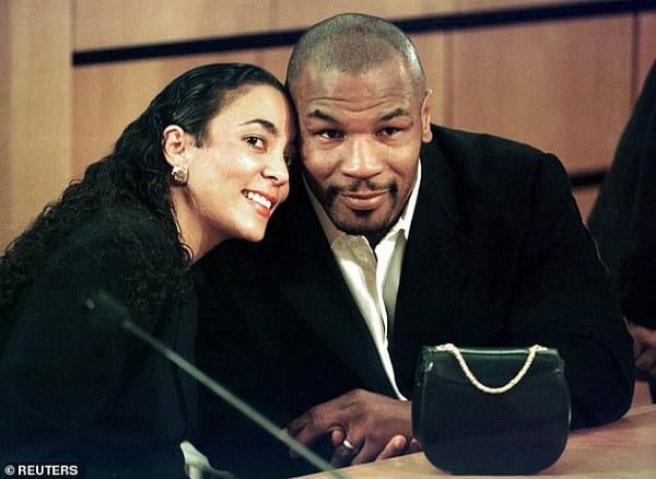 Mike Tyson révèle qu'il a utilisé un faux pénis pour passer des tests antidopage