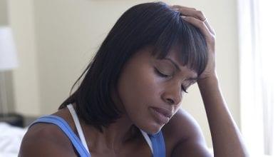 Photo de «Mon mari m'a surpris au lit avec un autre homme mais il est toujours gentil avec moi, cela m'inquiète»