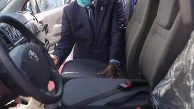 Photo de Sénégal : un imam surpris en plein ébat sexuel dans sa voiture