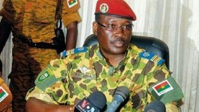 """Photo de Burkina/ Le Colonel Isaac Zida dénonce """"un braquage électoral"""" et refuse de féliciter Kaboré"""