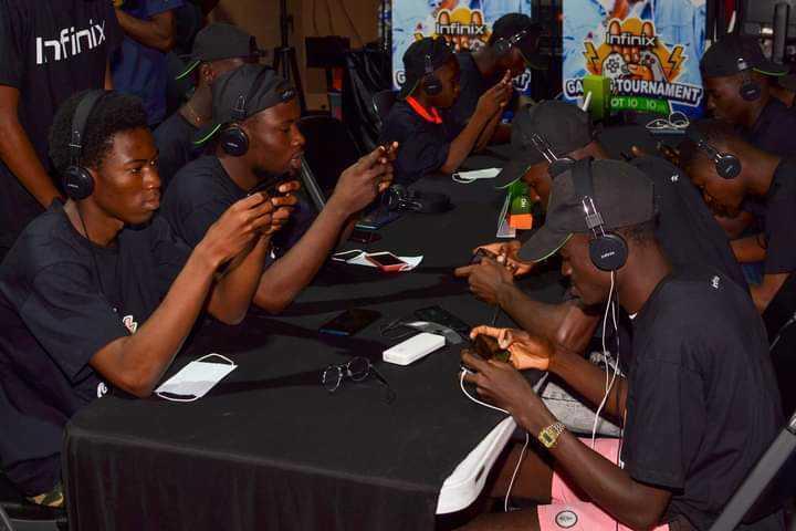 INFINIX HOT 10 GAMING TOUR, premier tournoi de jeux vidéo sur mobile en Afrique
