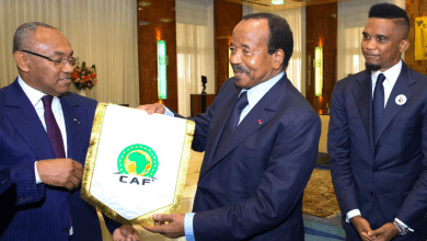 Photo de Élection à la présidence de la CAF : Paul Biya refuse la candidature de Samuel Eto'o !