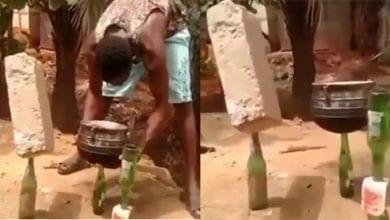 Photo de Ghana: un homme suspend une marmite et une brique sur des bouteilles (Vidéo)