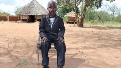 Photo de Un garçon de trois ans nommé chef en Ouganda