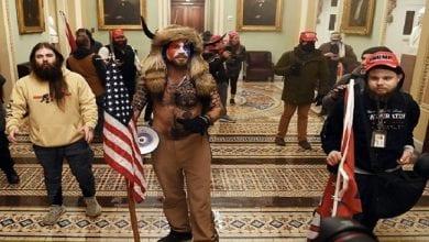 Photo de Les partisans de Donald Trump prennent d'assaut le Capitole pour empêcher le transfert pacifique du pouvoir (vidéo)