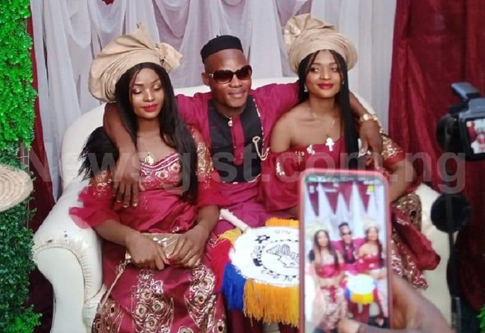 Nigeria: ne pouvant pas vivre l'une sans l'autre, des jumelles épousent un même homme - vidéo