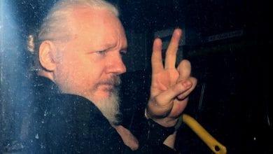 """Photo de Monde: Julian Assange gagne son procès contre les Etats-Unis et échappe """"à la version propre de l'enfer"""""""